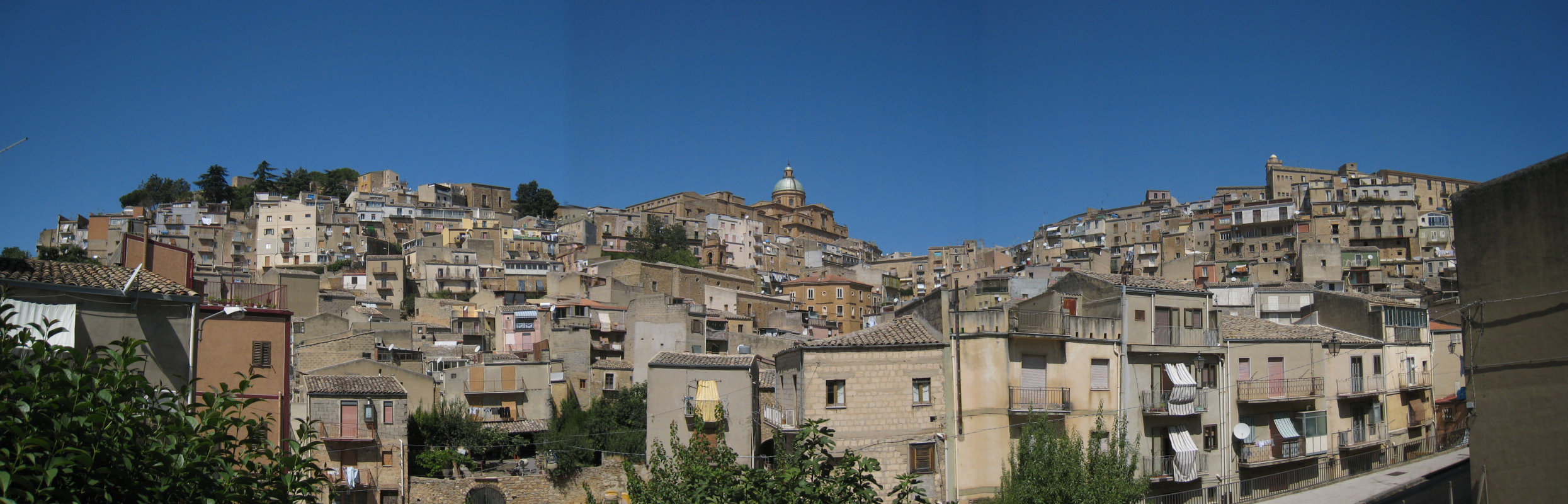 http://www.thbz.org/images/europe/sicile/piazza-armerina-panoramique.jpg