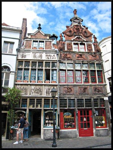 S2 elements architecture renaissance simsagora for Architecture flamande