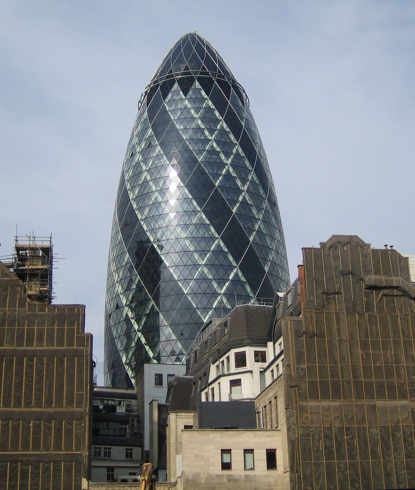 Londres et l 39 ogive de foster bloc notes for Batiment architectural