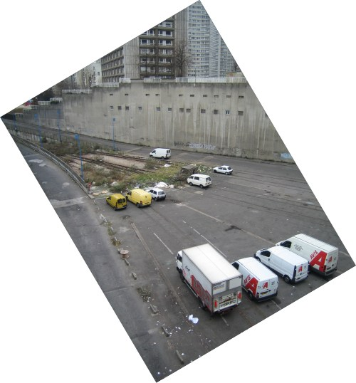 http://bloc-notes.thbz.org/images/paris/13/gare-gobelins/gare-camions.jpg